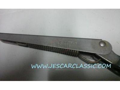 Nissan 100A - Jogo de 2 hastes de limpa-vidros (MITSUBA)