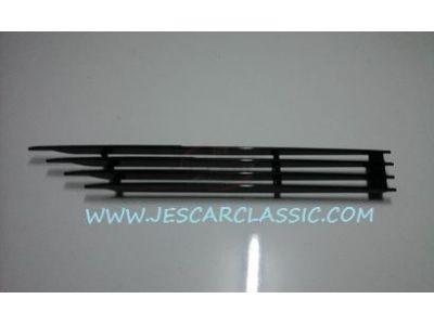 BMW Coupe E9 - Grelha ventilação do guarda-lamas frente esquerdo