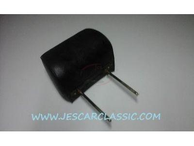 Nissan 100A - Encosto de cabeça