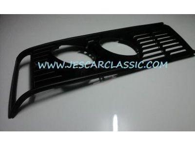 BMW Serie 3 E21 - Aro da grelha principal lado direito