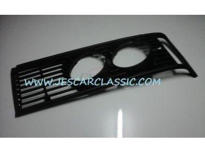 BMW Serie 3 E21 - Aro da grelha principal lado esquerdo