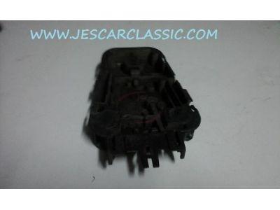Audi 100 C3 - Suporte de lâmpadas farolim traseiro exterior (HELLA)